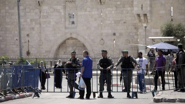 Jew Detector: Israel Reopens Holy Site After Deadly Shooting In
