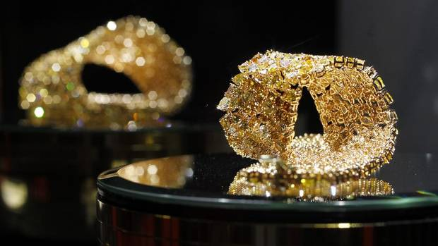 Gold jewellery is displayed at the VicenzaORO trade fair in Valenza, northern Italy, Oct. 29, 2012. Italy has lost its position as the world's premier gold jewellery exporter, overtaken by India and the United States, according to the World Gold Council. (ALESSANDRO GAROFALO/REUTERS)