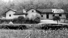 This is the house where Mao Tsetung was born in Shaoshan, Hunan Province, China. The photo was taken in November, 1982. (Stanley Oziewicz/The Globe and Mail)