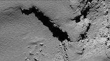 704K Copyright ESA Description Rosetta's OSIRIS narrow-angle camera captured this image of Comet 67P/Churyumov-Gerasimenko at 08:18 GMT from an altitude of about 5.8 km during the spacecraft's final descent on 30 September. The image scale is about 11 cm/pixel and the image measures about 225 m across.