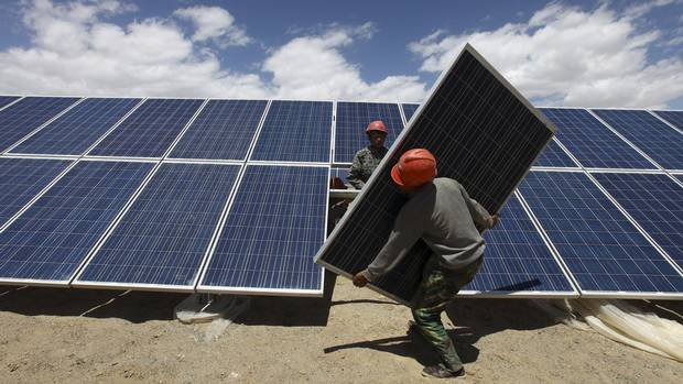 Cheap solar panels offloaded into canada watchdog says for Solar installers canada