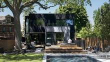 The Humewood home bucks conventional design wisdom with clear summer style. (Fred Lum/The Globe and Mail)