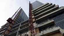 A condominium building is seen under construction in Toronto, in this file photo. (© Aaron Harris / Reuters)