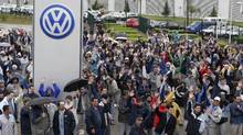 Brazilian workers at Volkswagen's Sao Jose dos Pinhais factory. (CESAR FERRARI/REUTERS/CESAR FERRARI/REUTERS)