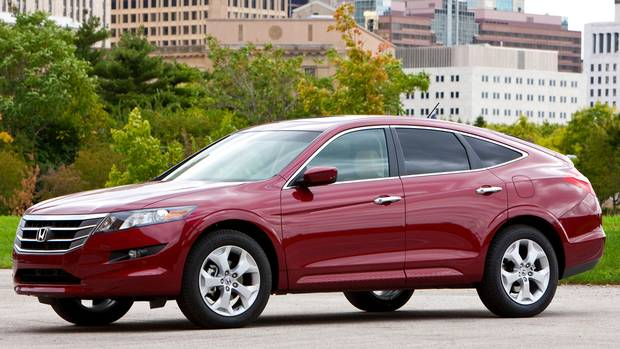 2010 honda accord crosstour the globe and mail. Black Bedroom Furniture Sets. Home Design Ideas