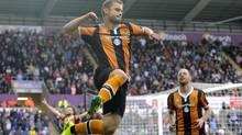 Hull City's Shaun Maloney celebrates scoring against Swansea on Aug. 20, 2016. (Rebecca Naden/REUTERS)