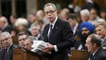 Finance Minister Joe Oliver approved a special order just before the launch of the election campaign that grants Finance Canada the authority to publish the final bottom line for 2014-15 during the campaign. (CHRIS WATTIE/REUTERS)