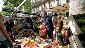 Head to Raspail Market to pick up fresh breads, produce, dairy products and more. Come back on Sunday for all organic produce.
