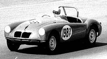 Frank Mount drives his MGA in 1961. (Stevens/Kielbiski Collection)
