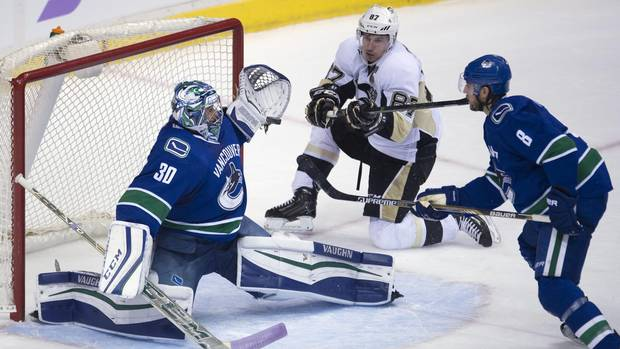Sidney Crosby Scores Second Goal Of The Season As Penguins Down Canucks
