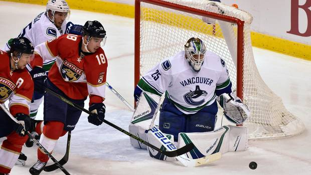 Web-canucks-panthers-1210