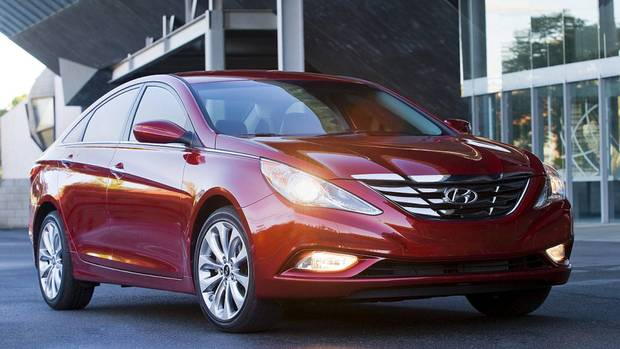 hyundai sonata may have steering problems the globe and mail. Black Bedroom Furniture Sets. Home Design Ideas
