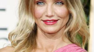 Cameron Diaz took the National Enquirer and its parent company, American Media Inc., to court in London in 2007 over a story that ran a year earlier, when she was dating pop star Justin Timberlake. The U.S. tabloid published a story and photo on its website (accessible to readers in Britain) that purported to show Ms. Diaz kissing a married TV producer. Coming to an agreement out of court, the Enquirer apologized and paid the actress a ?substantial? but undisclosed sum.