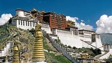 Tibet's Potala Palace in Lhasa. (Bruce Kirkby/Bruce Kirkby)