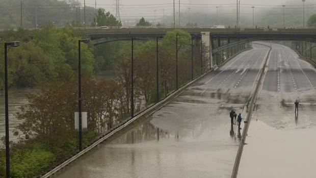 Dvp Closure Gallery: Photos: Toronto's Don Valley Parkway Washed Out, Covered