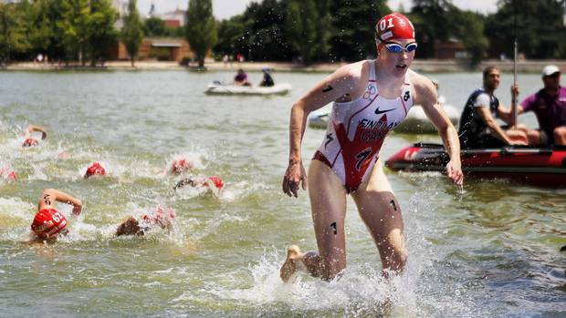 "Paula Findlay - Triathalon. A small tear in the elastic tissue on her hip last year Paula Findlay with two options: she could undergo surgery, or she could attempt to manage the pain with a combination of cortisone, medication, icing, and treatment, she wrote on her blog. With the London Games fast approaching, Findlay chose what she called ""the 'management' road"" for the pain and expects to be ready to race. (Andres Kudacki/AP Photo)"