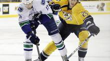 Former Nashville Predators centre Jerred Smithson will make his debut for the Toronto Maple Leafs in Friday's game against the New Jersey Devils. (file photo) (MARK HUMPHREY/AP)