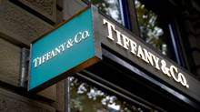 The logo of U.S. jeweller Tiffany & Co. is seen at a store at the Bahnhofstrasse shopping street in Zurich. (© Arnd Wiegmann / Reuters/REUTERS)