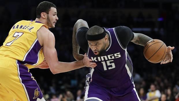 Nyhk101_pelicans_kings_trade_basketball