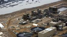 Oil is refined at Royal Dutch Shell Plc's Albian Sands mine near Fort McMurray, Alta. (Brent Lewin/Bloomberg)