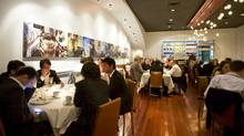 The newly renovated/reopened Splendido restuarant on Harbord Street in Toronto was packed with guests on September 8, 2009. (JENNIFER ROBERTS/Jennifer Roberts for The Globe and Mail)