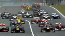Drivers take the start of the Formula One Grand Prix of Spain (LLUIS GENE/2010 AFP)
