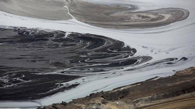 Tailings Ponds Alberta Oil Sands Oil Sands Tailing Ponds