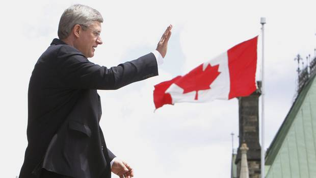 <p>Prime Minister Stephen Harper waves after addressing the Canada Day event on Parliament Hill Sunday July 1, 2012 in Ottawa</p>