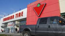 Customers arrive at the Canadian Tire store in North Vancouver, in this file photo. (© Andy Clark / Reuters)