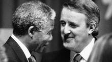 African National Congress leader Nelson Mandela is welcomed to Canada by Prime Minister Brian Mulroney at a state dinner in Toronto in June, 1990. (Erik Christensen/The Globe and Mail)
