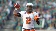 BC Lions quarterback Kevin Glenn throws the ball while playing against the Saskatchewan Roughriders during the first half of their CFL football game in Regina, Saskatchewan July 12, 2014. (DAVID STOBBE/REUTERS)