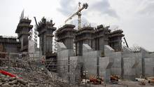 The construction site of the hydroelectric facility at Muskrat Falls, Newfoundland and Labrador, is seen on July 14, 2015. (Andrew Vaughan/THE CANADIAN PRESS)