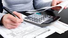 Different types of tax slips have different mailing deadlines. (Mackon/Thinkstock)