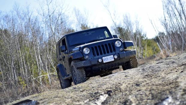 Jeep C ing besides Say Hi To The 2018 Jeep Wrangler Jlu moreover Our Latest 2019 Jeep Jt Pickup Info And Preview Images as well Jlu Interior Security Options moreover Jku sport hydro blue. on 2016 jeep wrangler unlimited sport 44
