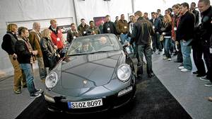 The Porsche Roadshow 2009 targeted 350 prospective customers from across Canada.