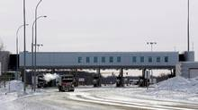The Canadian side of the Canada-U.S border crossing, where refugees make their way into the province, is seen in Manitoba. (LYLE STAFFORD/REUTERS)
