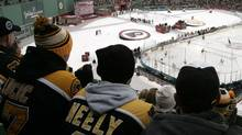 The Philadelphia Flyers and the Boston Bruins play during the first period of the NHL's Winter Classic hockey game at Fenway Park in Boston, Massachusetts January 1, 2010. REUTERS/Adam Hunger (ADAM HUNGER)