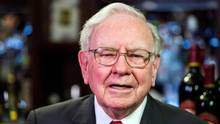 Warren Buffett, Chairman, CEO and largest shareholder of Berkshire Hathaway takes part in interviews before a fundraising luncheon for the nonprofit Glide Foundation in New York, on Sept. 8, 2015. (Lucas Jackson/Reuters)