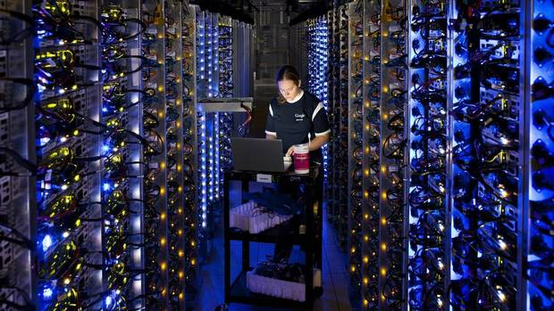 Denise Harwood diagnoses an overheated CPU at one of Google's high-tech data centres in The Dalles, Oregon. (Connie Zhou/Google)