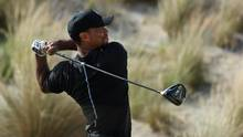 Tiger Woods hits his tee shot on the third hole during round one of the Hero World Challenge at Albany, The Bahamas on December 1, 2016 in Nassau, Bahamas. (Christian Petersen/Getty Images)