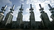 Devon Energy Corp's Jackfish steam generators. (www becq net/Devon Energy Corp.)
