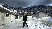 Winston Blackmore makes his way into a press conference in the community of Bountiful near Creston, B.C. Jan. 8, 2009. (JOHN LEHMANN/THE GLOBE AND MAIL/JOHN LEHMANN/THE GLOBE AND MAIL)