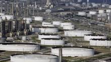 Marathon Oi's Texas City refinery. (DAVID J. PHILLIP/AP)