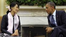 U.S. President Barack Obama meets with Myanmar democracy leader Aung San Suu Kyi in the Oval Office of the White House, Sept. 19, 2012. (Susan Walsh/AP)
