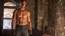 Aaron Eckhart in I, Frankenstein (Ben King)