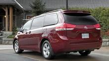 2010 Toyota Sienna (Toyota)
