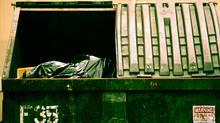 Garbage in dumpster (Jupiterimages/(c) Jupiterimages)