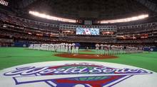 The Toronto SkyDome is decked out and ready as the Toronto Blue Jays and the Atlanta Braves prepare to face off in Game 3 of the 1992 World Series between the Tononto Blue Jays and the Atlanta Braves Oct 20, 1992. (HANS DERYK/Canadian Press)