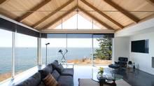 A fluid family room on Bowen Island, B.C. (Michael Boland)