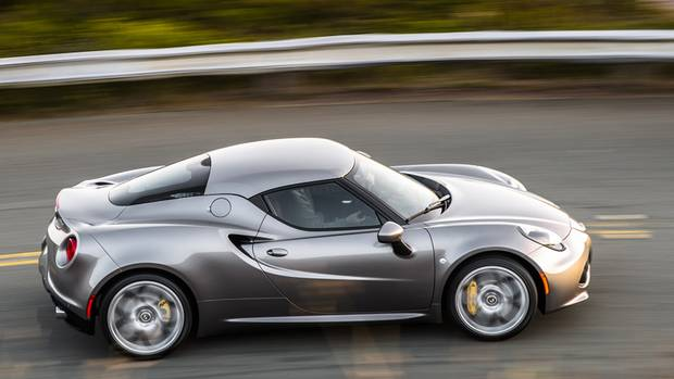 2015 Alfa Romeo 4C coupe (Chrysler)